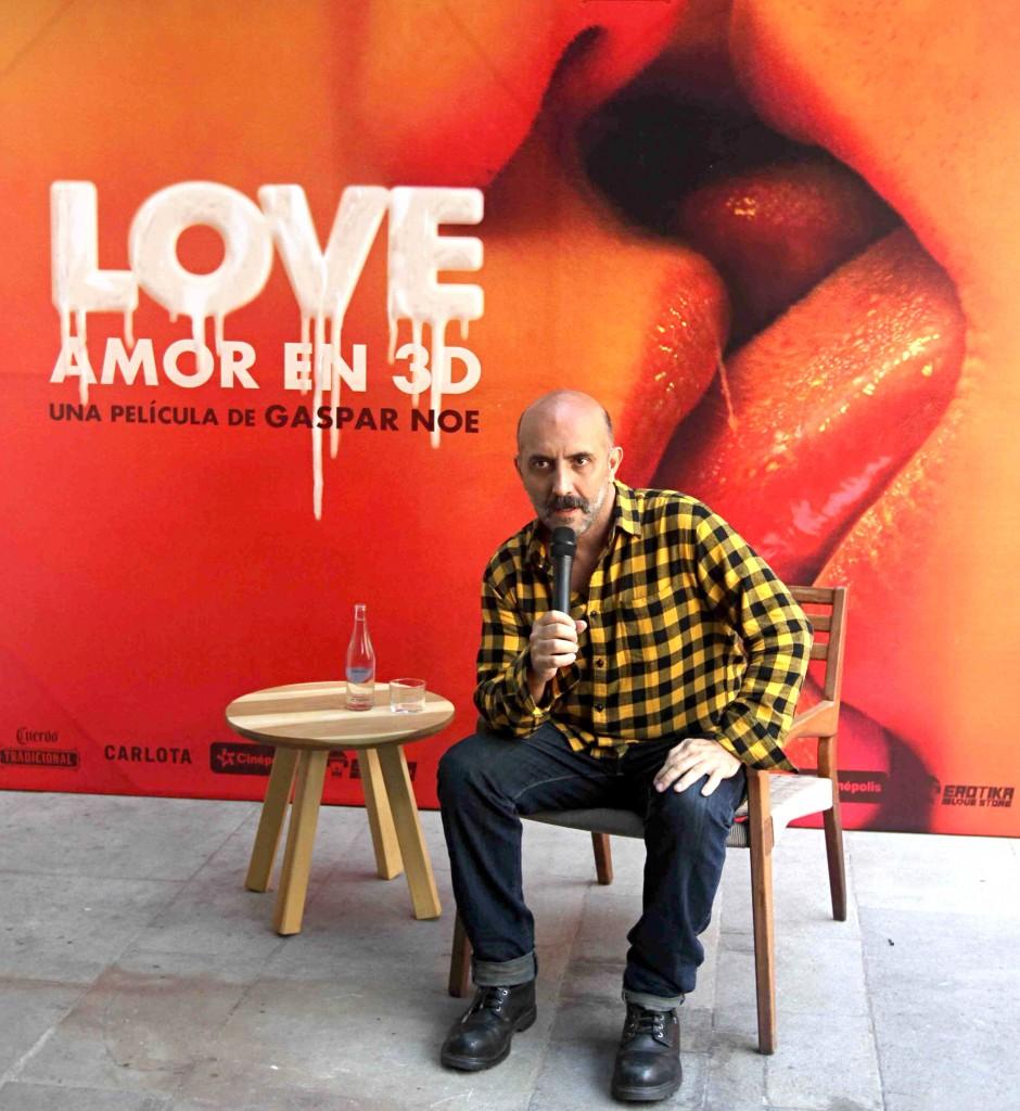 """51207066. México, 7 Dic. 2015 (Notimex- Francisco Gacía).- El director argentino Gaspar Noé, presentó su nueva  La película """"Love"""", un filme erótico en 3D, hoy durante una conferencia de prensa el también director de """"Irreversible"""", se refirió a las escenas sexuales reales que tiene la cinta. NOTIMEX/FOTO/FRANCISCO GARCIA/FRE/ACE/"""