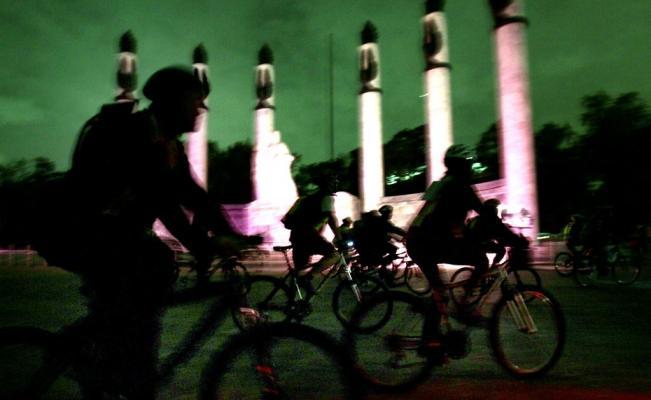 paseo_ciclista_nocturno_redis